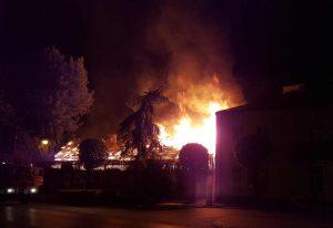 Pożar na ul. ks. Sajny w Górze Kalwarii