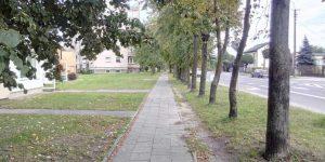 Fragment chodnika przy ulicy Pijarskiej w Górze Kalwarii