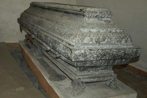 Sarkofag bp Stefana Wierzbowskiego w Górze Kalwarii