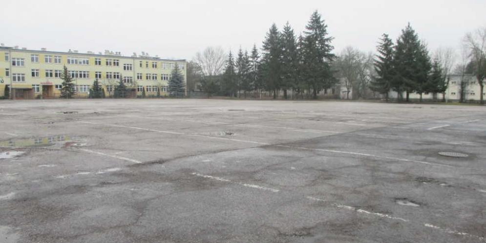 Plac manewrowy byłej jednostki wojskowej w Górze Kalwarii